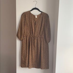 Old Navy 3/4 Sleeve Tan and Black Dot Dress